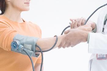 Ipotensione ortostatica : sintomi, rischi, cause e cure